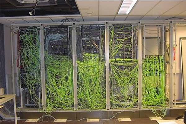 Server_Grauen_5.jpg